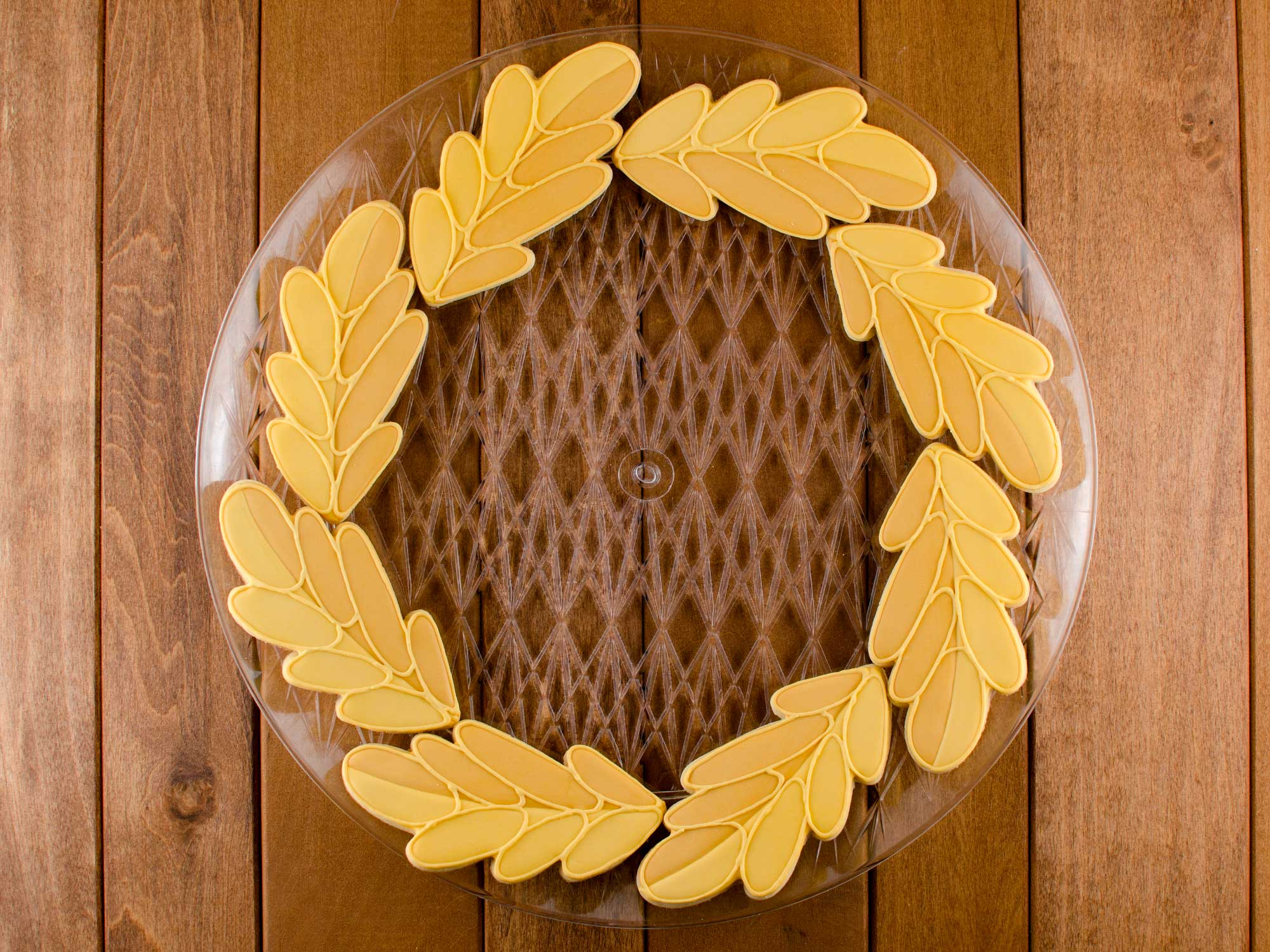 fall wreath cookie platter first layer