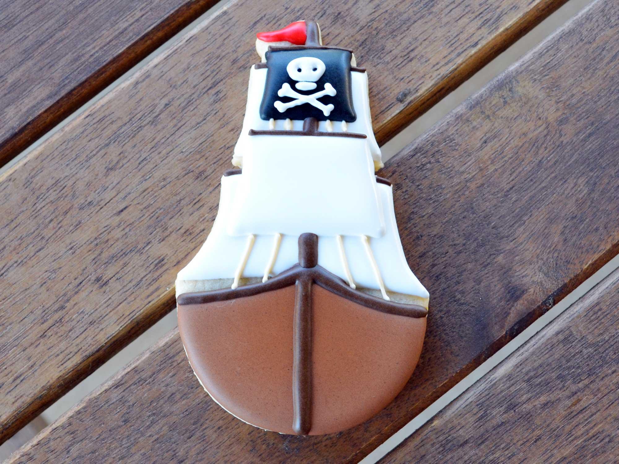 pirate ship cookies step 6