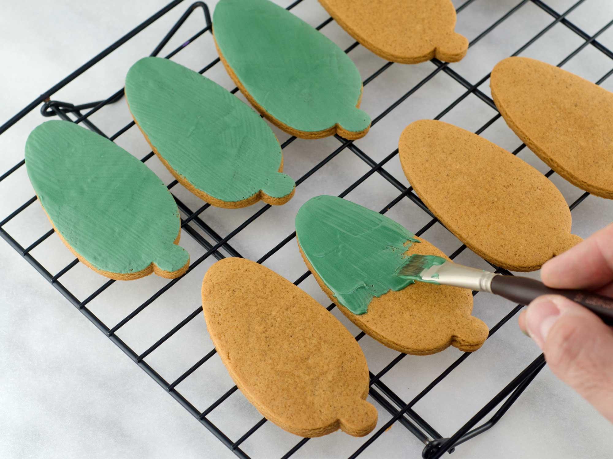 Pine Wreath Cookie Platter Step 1