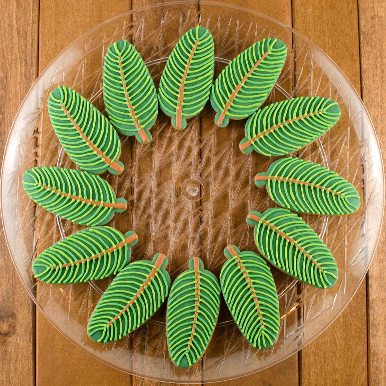 Pine Wreath Cookie Platter Step 5