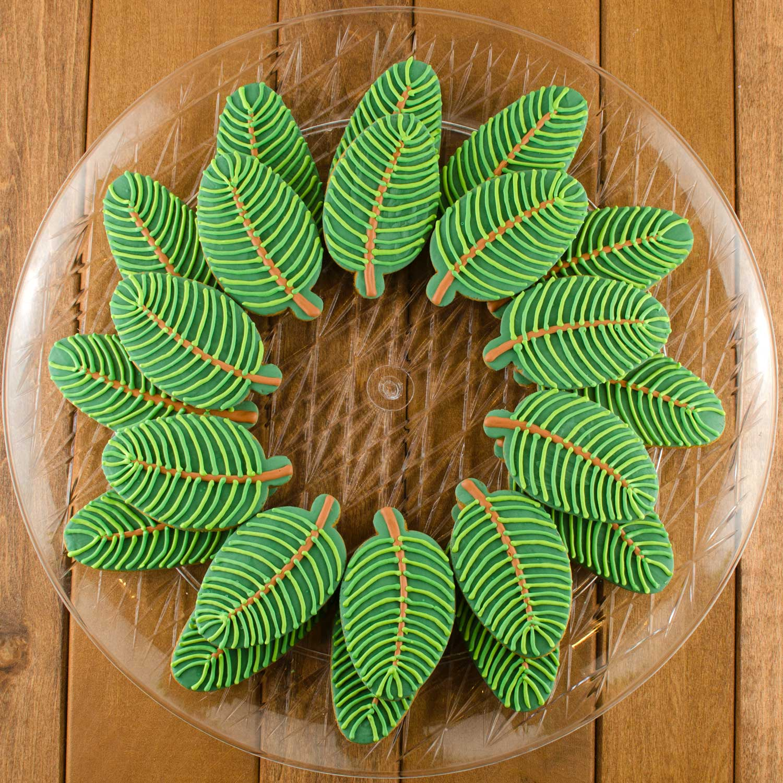 Pine Wreath Cookie Platter Step 6