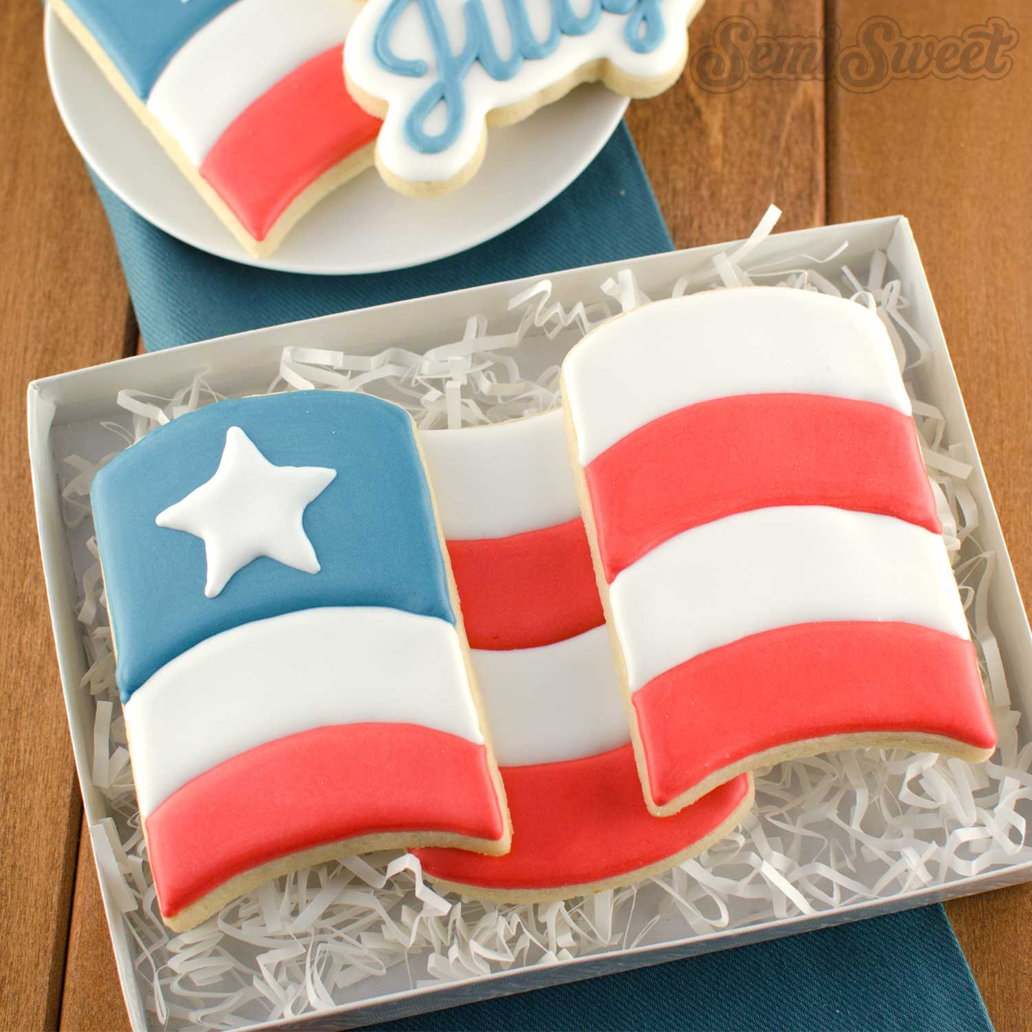How to Make a Wavy Flag Cookie Set