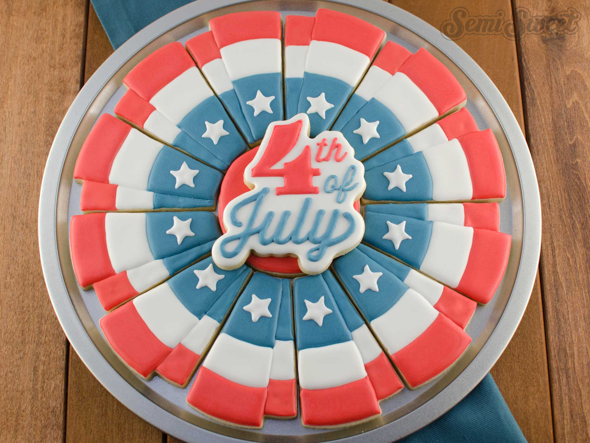 How to Make a 4th of July Bunting Cookie Platter