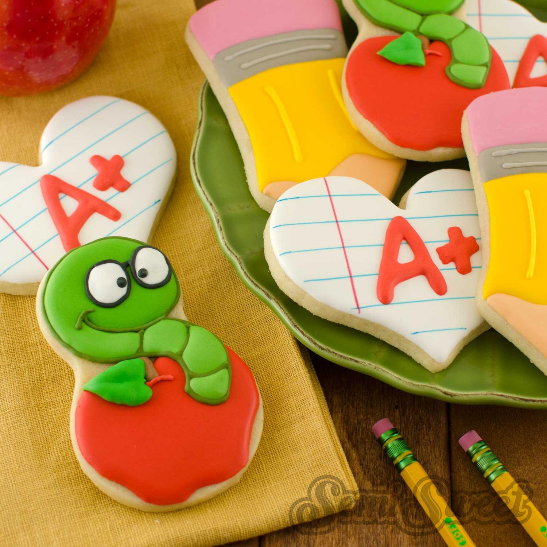 How to Make Apple Bookworm Cookies
