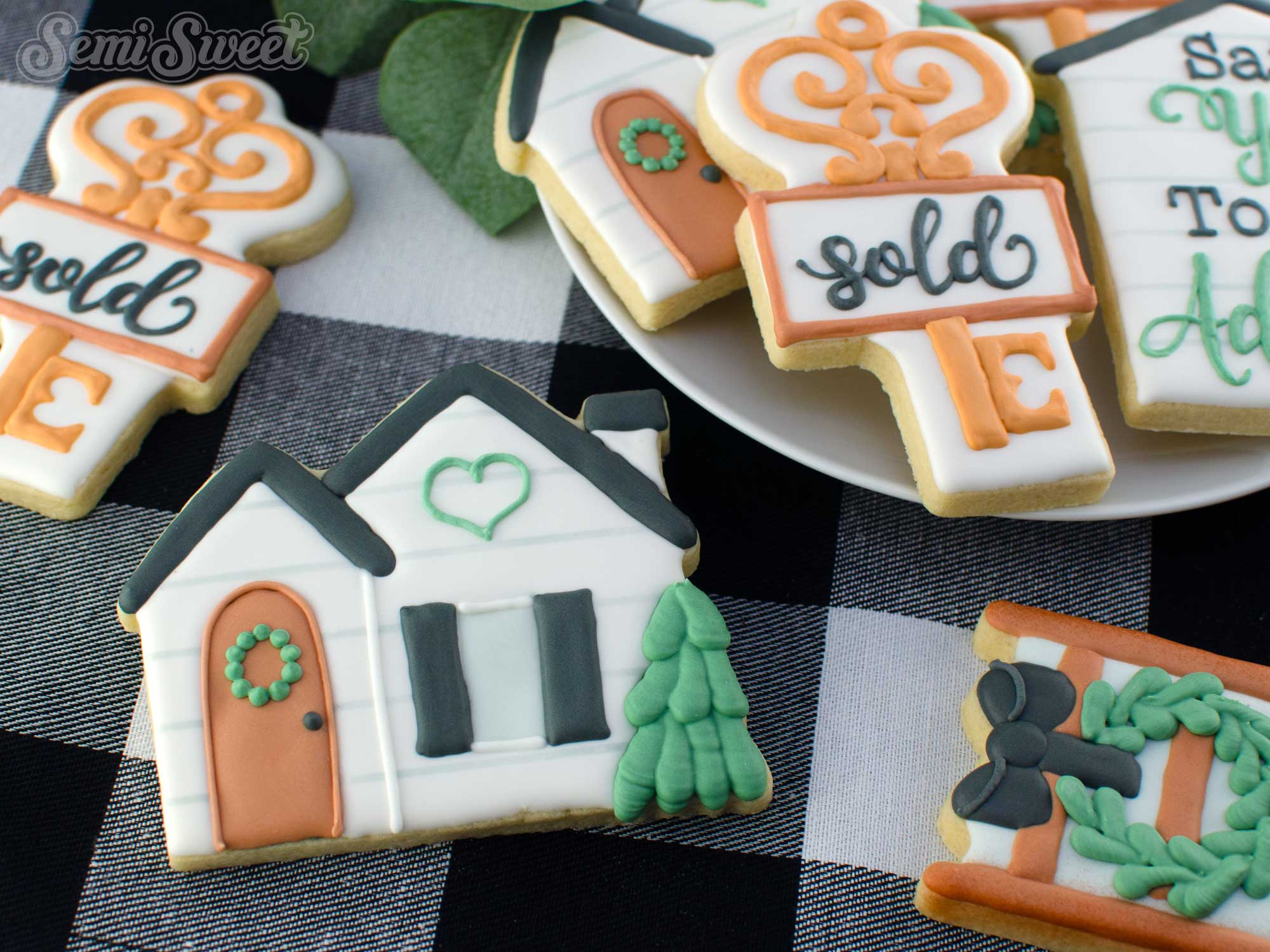 How to Make Cottage House Cookies