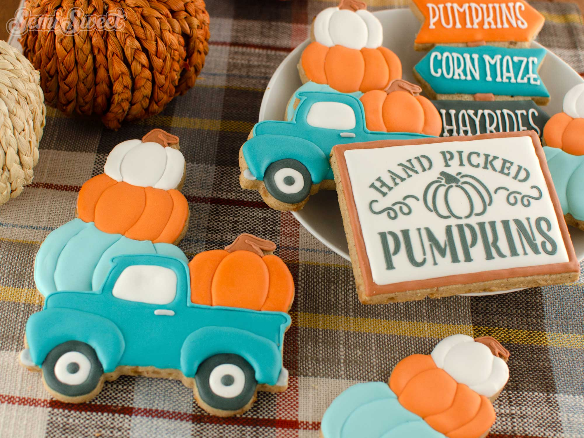 How to Make Fall Pumpkin Truck Cookies