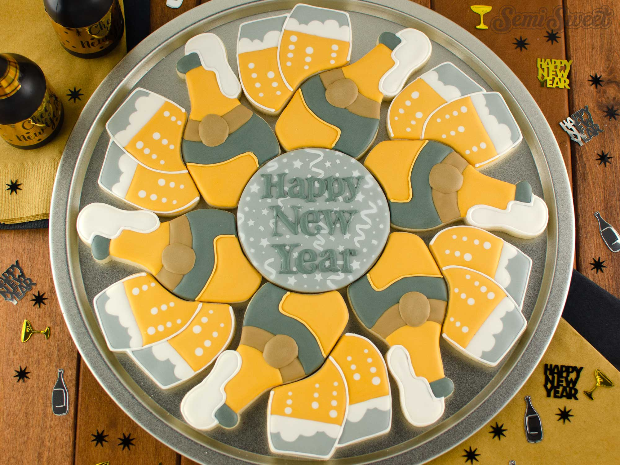 How to Make a Champagne Cookie Platter