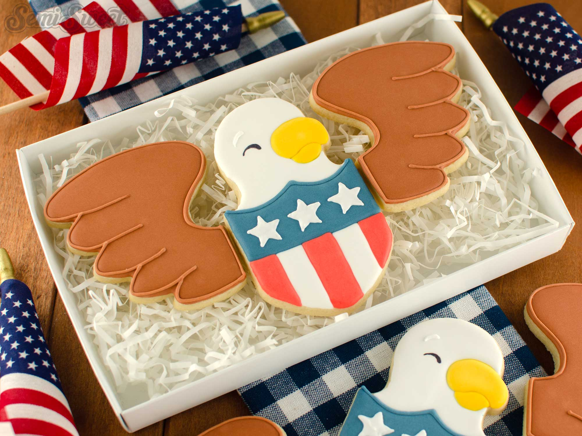 How to Make an Eagle Shield Cookie Set