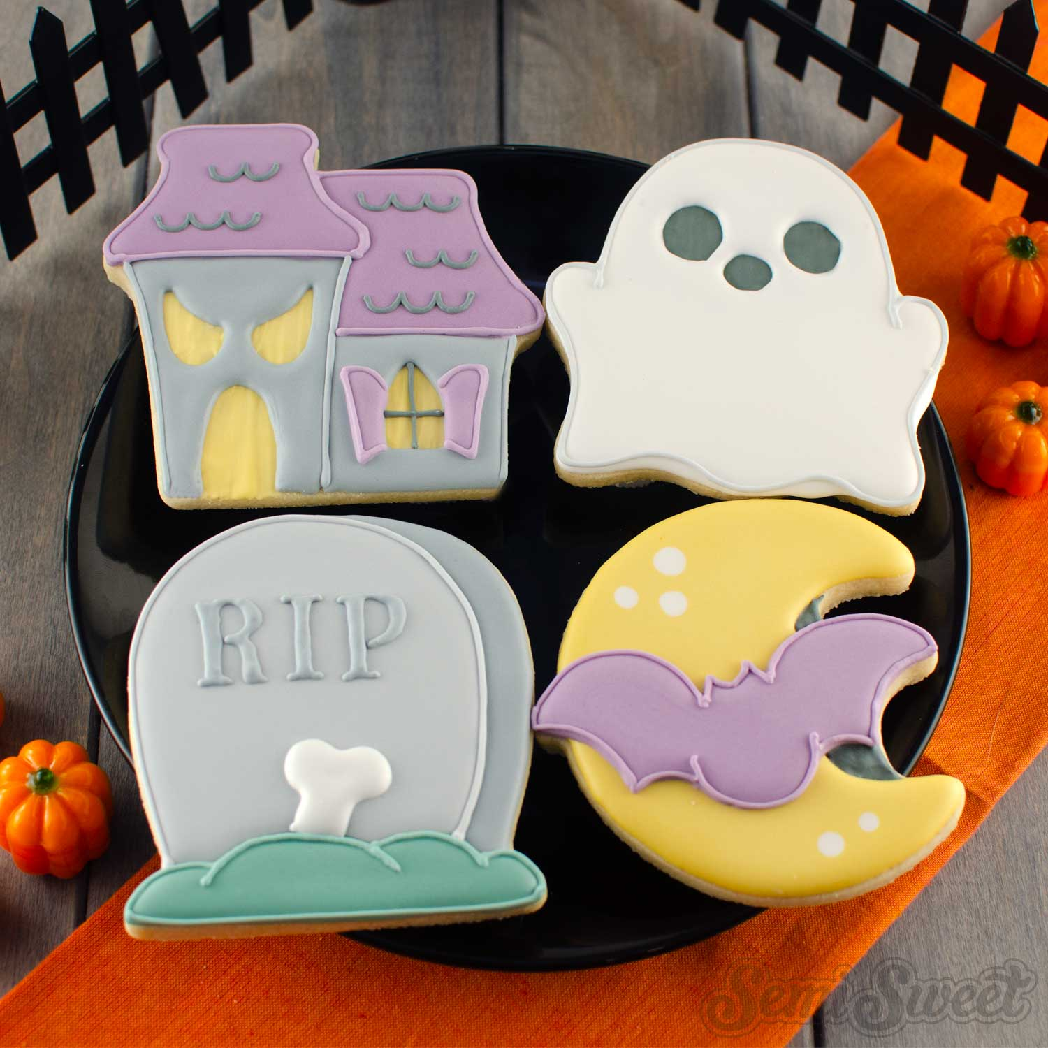 How to Make Simple Haunted House Cookies