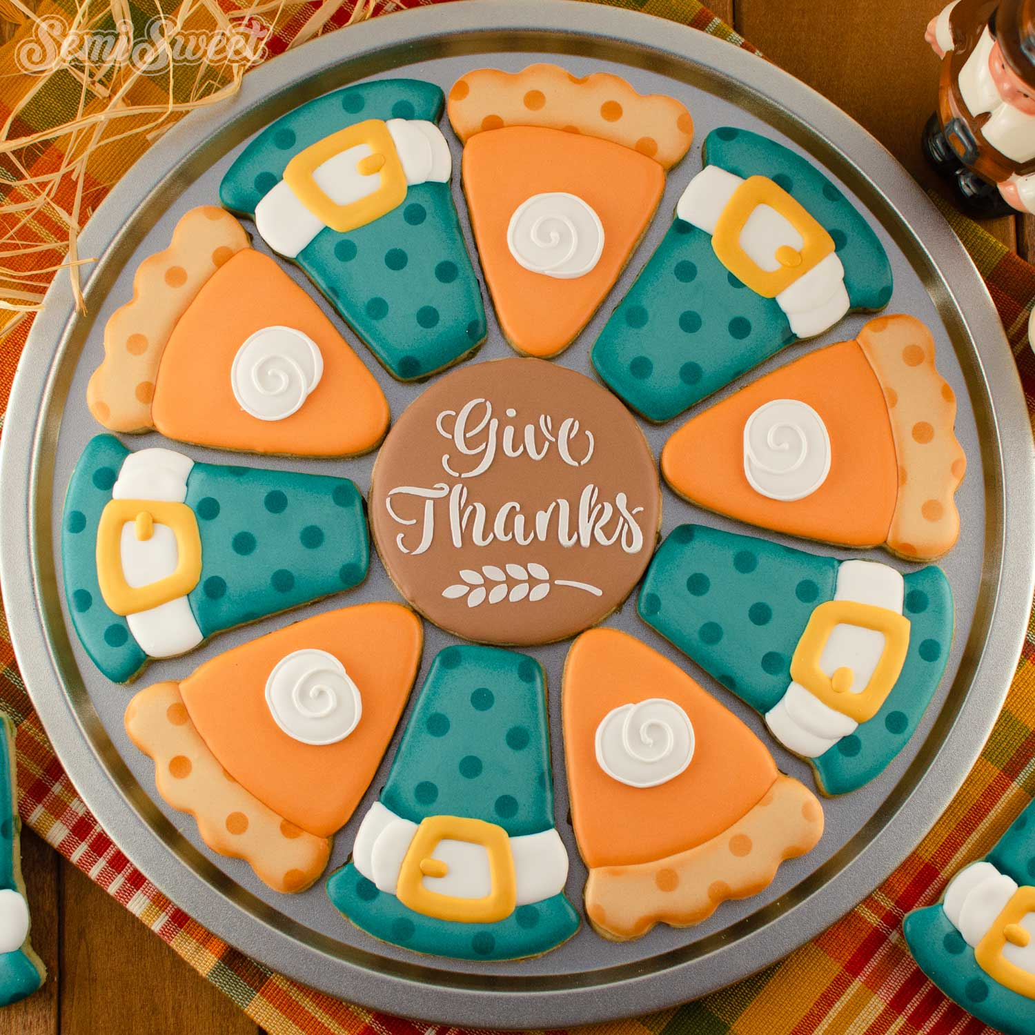 How to Make Thanksgiving Cookie Platters