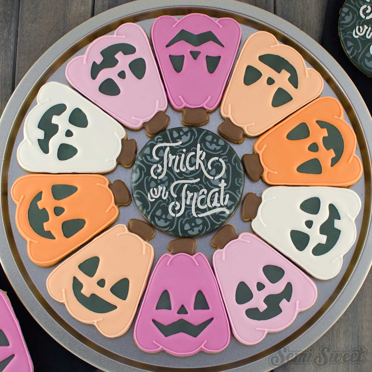 How to Make a Jack-O'-Lantern Cookie Platter