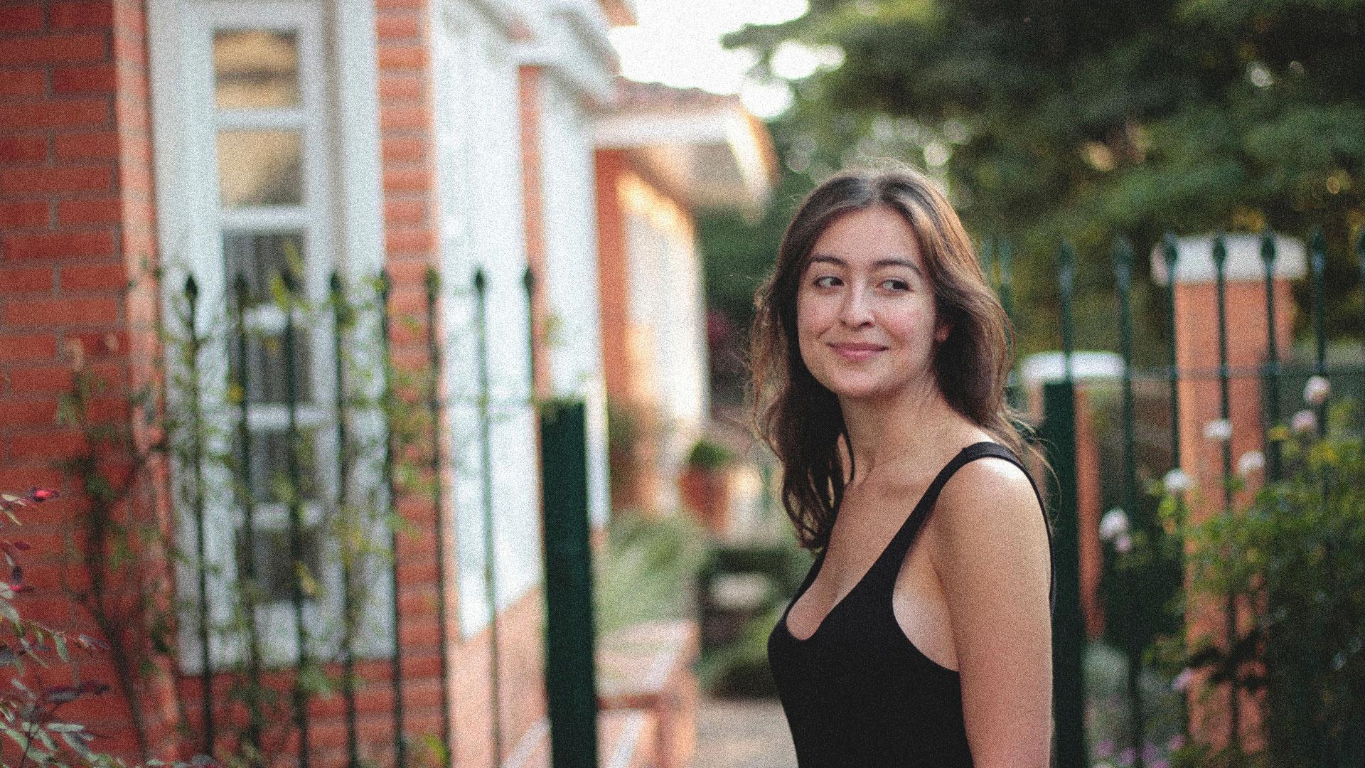 Veronica Motti, the client