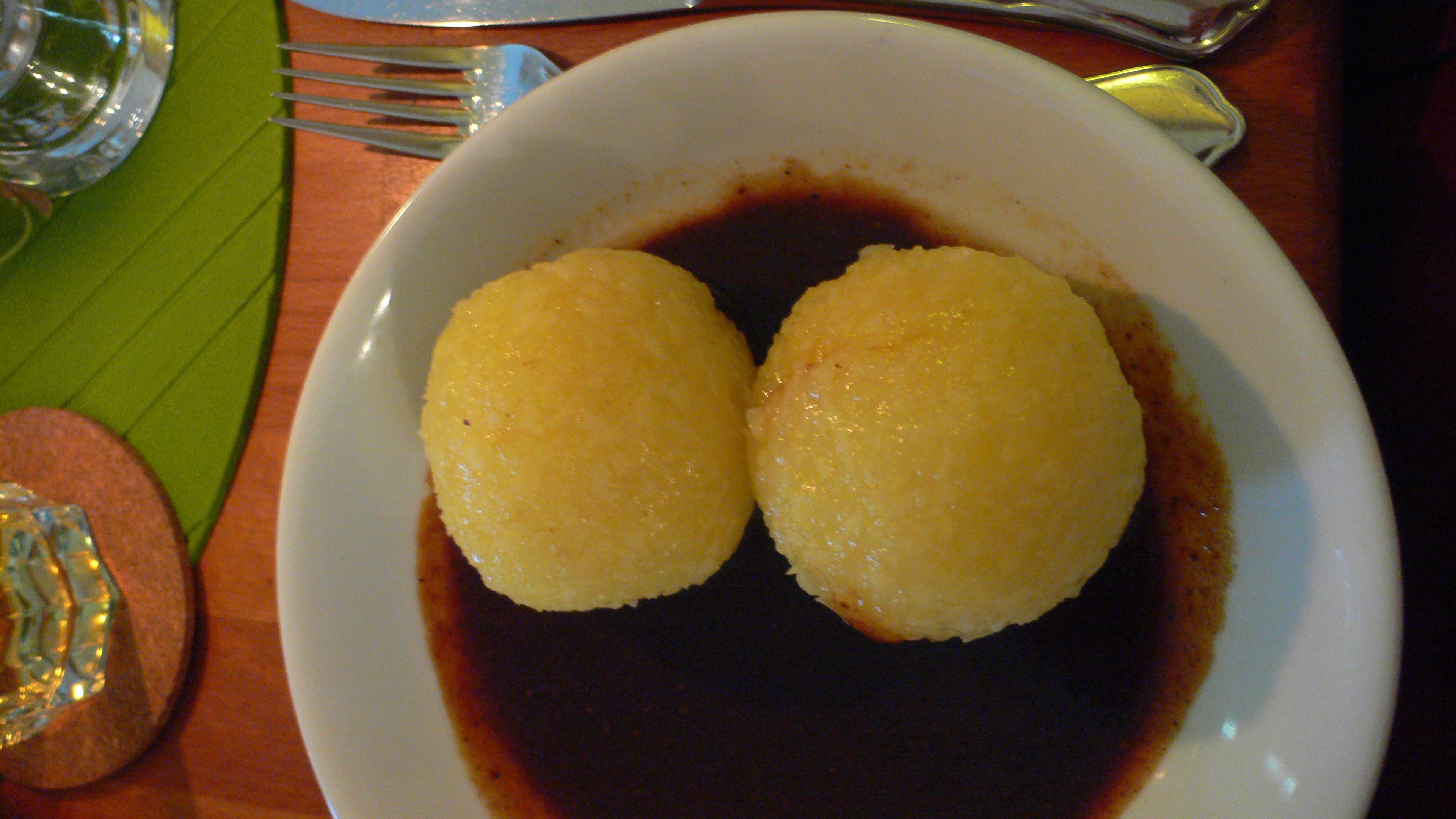 sehr köstliche Kartoffelklöße