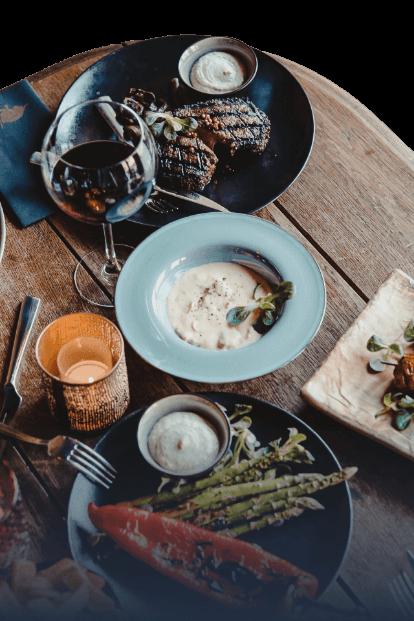 Tafel met diverse gerechten