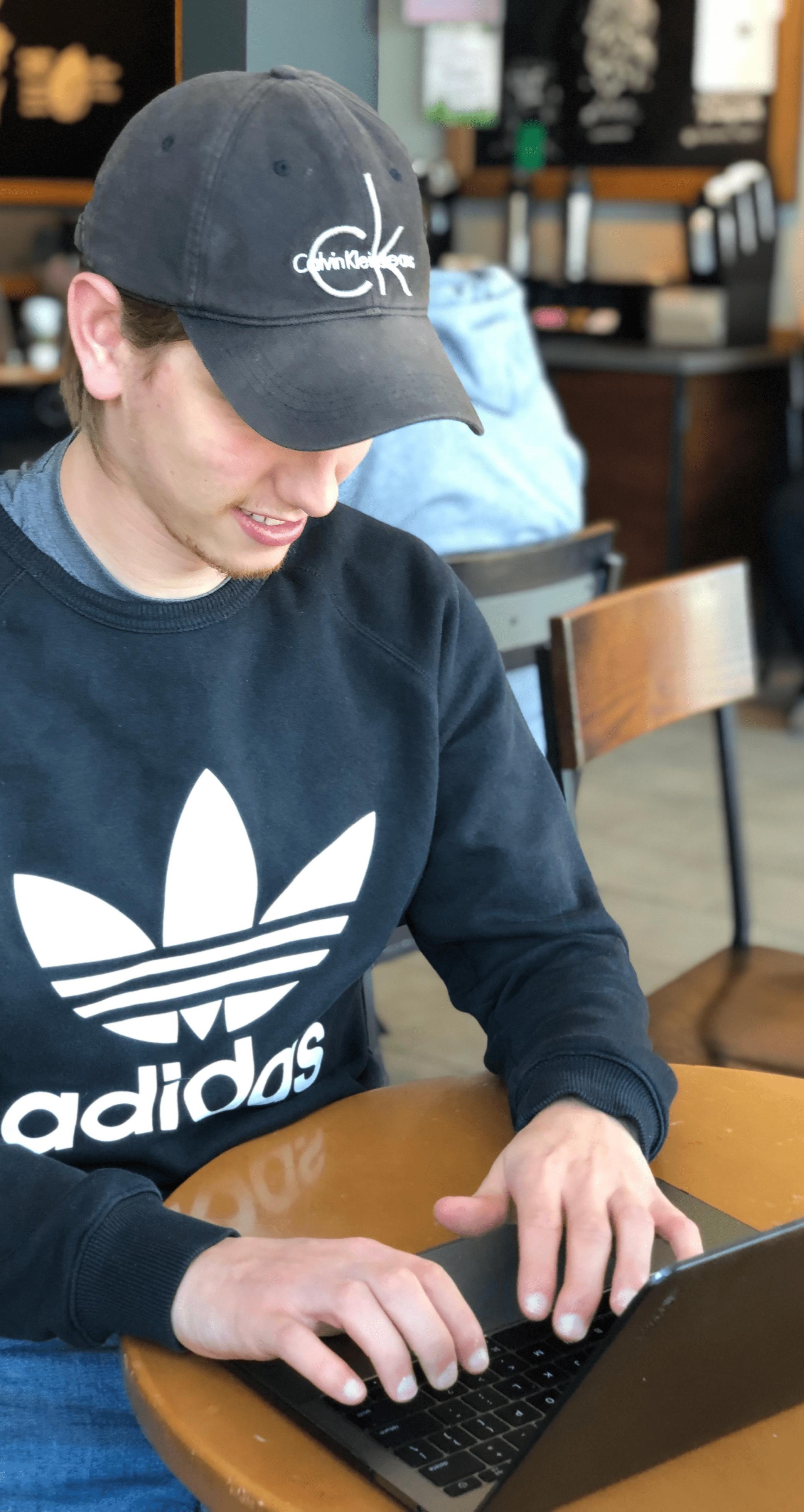 Brandon Social Media Expert (typing)