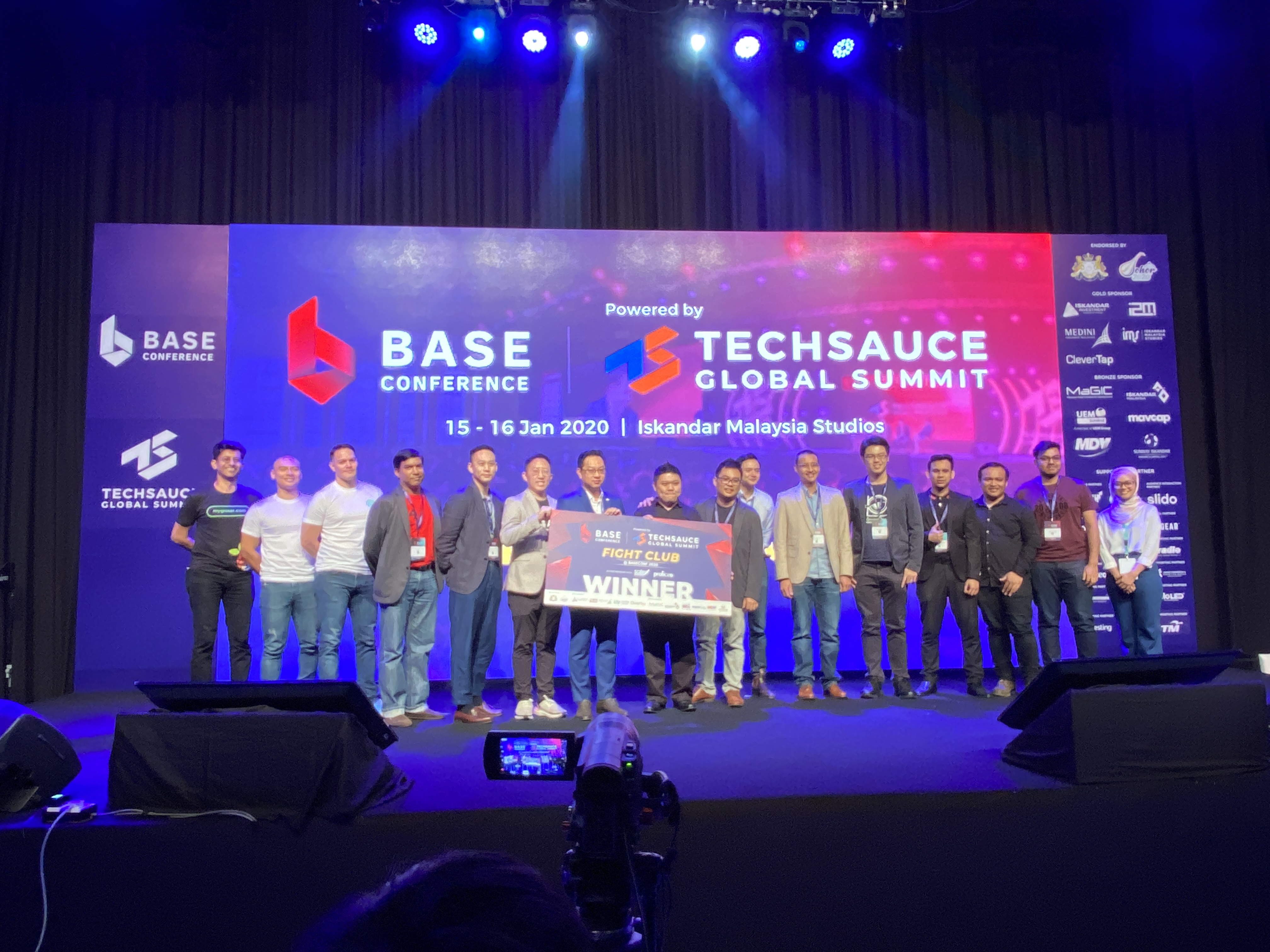 SmartPeep has made it to the Top 8 of the Startups Fight Club at the BASE Conference 2020