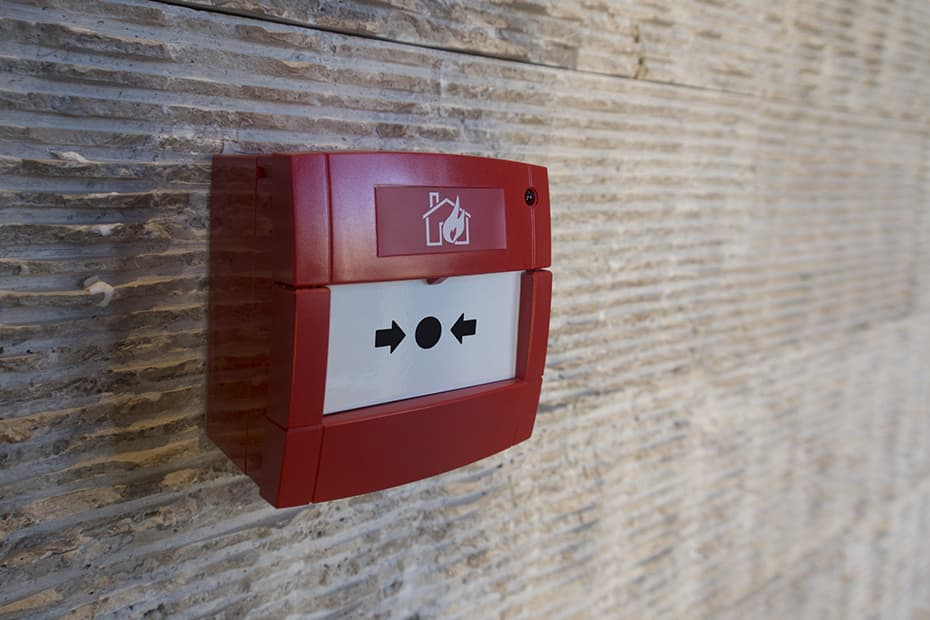 Picture of a manual fire alarm pull station.