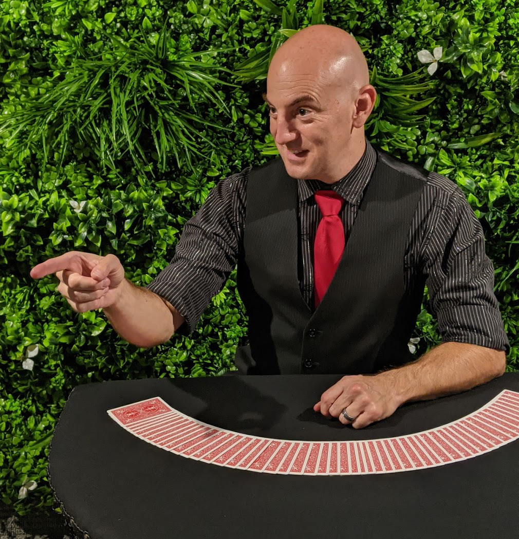 The Amazing Derek, hilarious magician at the Red Spade Theater