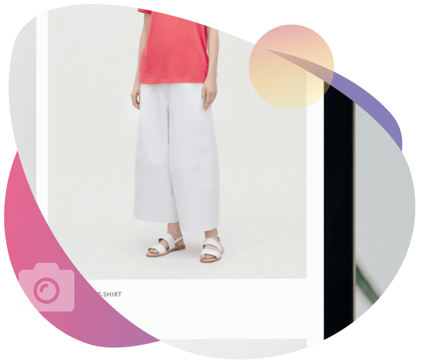 Girl wearing dark rose t-shirt and white pants with white sandals