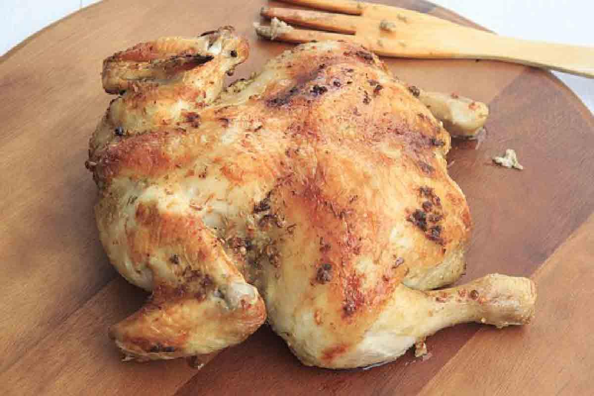 pollo arrosto ripreso in primo piano