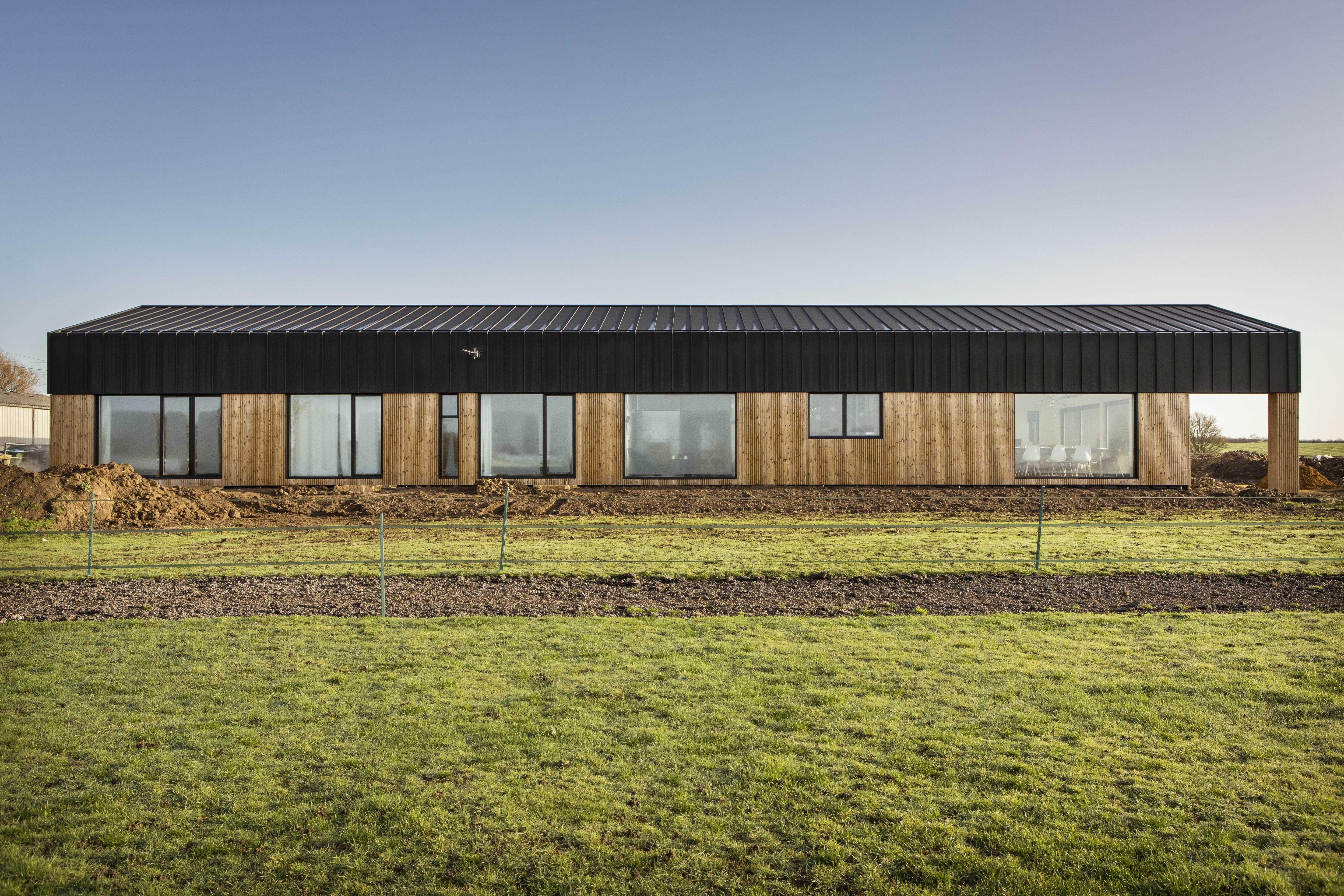 Aylesbury barn conversion - exterior
