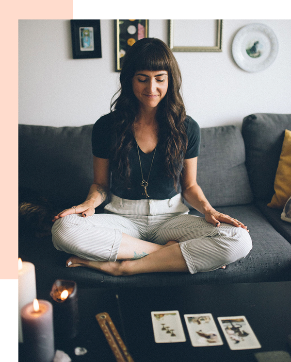 Jennifer Miranda is a one-woman creative shop specializing in minimalist branding, web design, and Tarot.