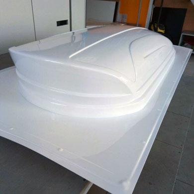 Vacuum thermoforming plastic