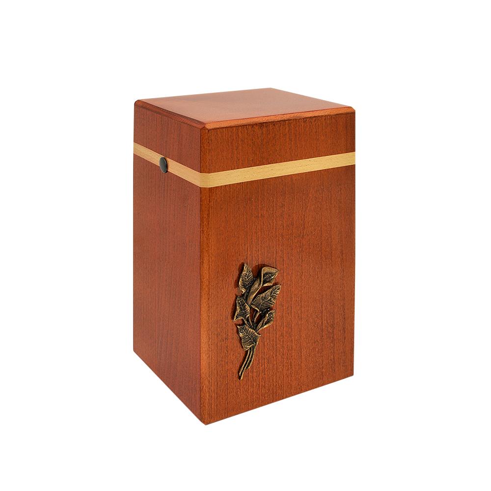 Urna drewniana ze zdobieniem