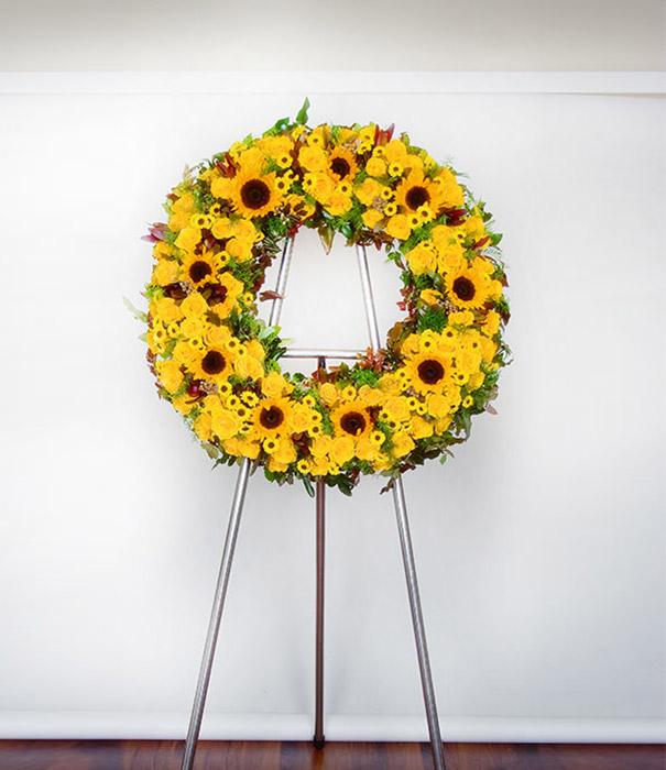 wieniec-koło z kwiatów żółtych