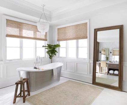A bathroom with a custom window treatment | Everhem