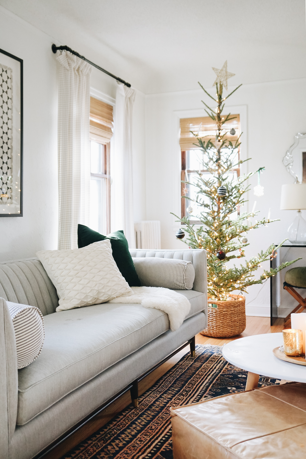 5 Ways to Infuse Holiday Spirit With Your Window Treatments