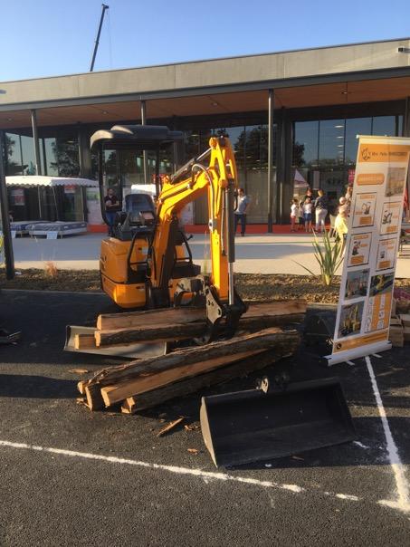 Mini Excavator RHINOCEROS XN18 with hydraulic grabber