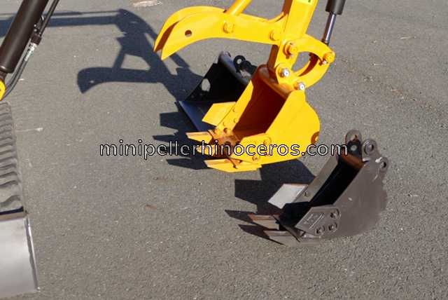 BUCKET MINI EXCAVATOR RHINOCEROS XN08