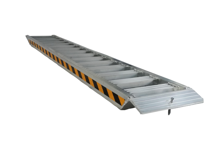 LOADING ALUMINIUM RAMPS