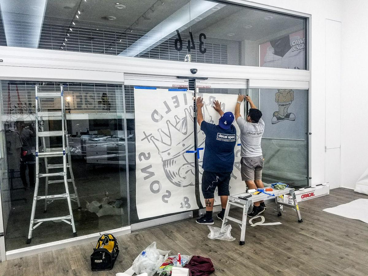 install service vinyl sign window business