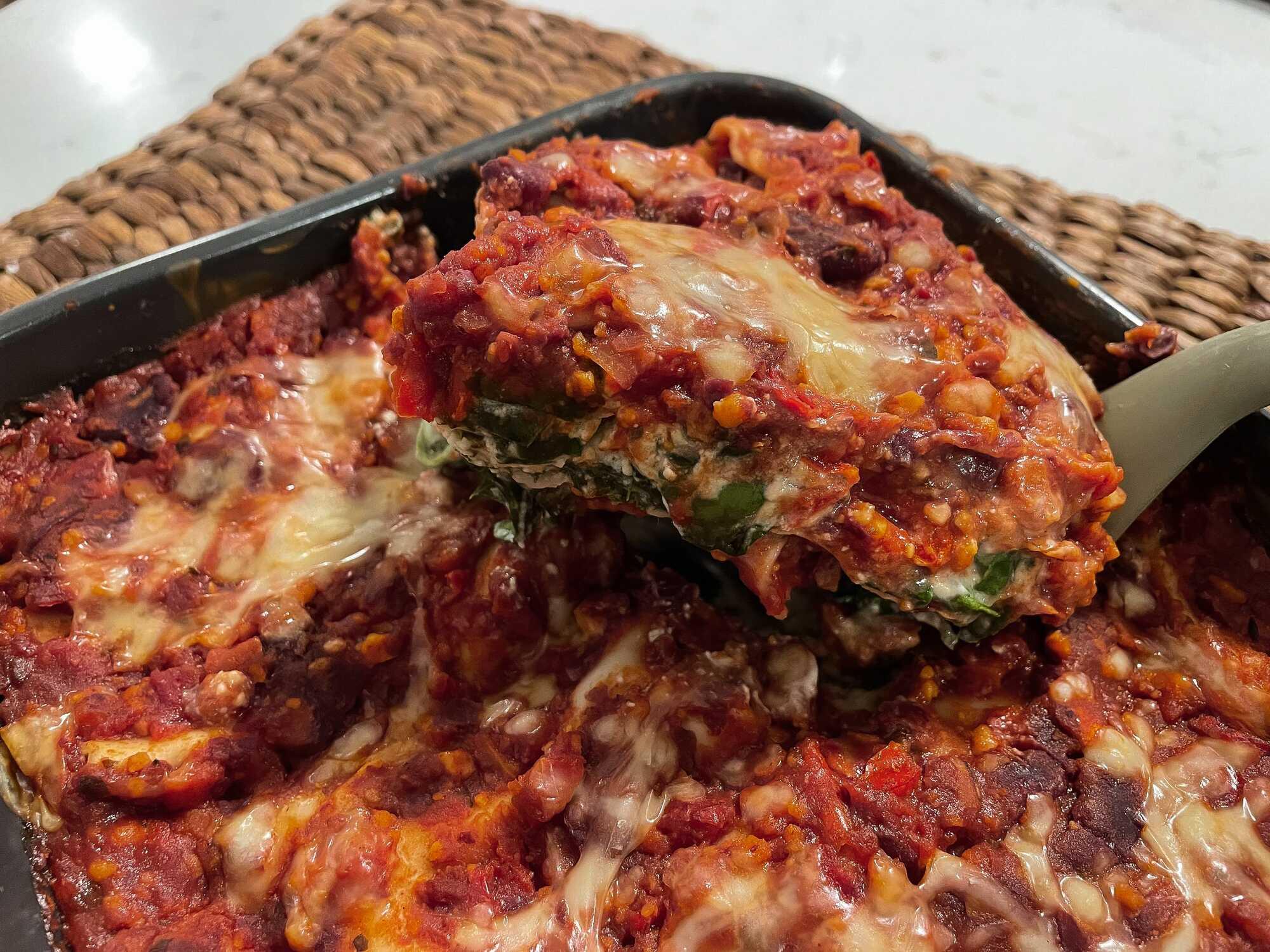 Lasagnes végétariennes au Philadelphia, épinards, haricots rouges et protéines de soja texturées.