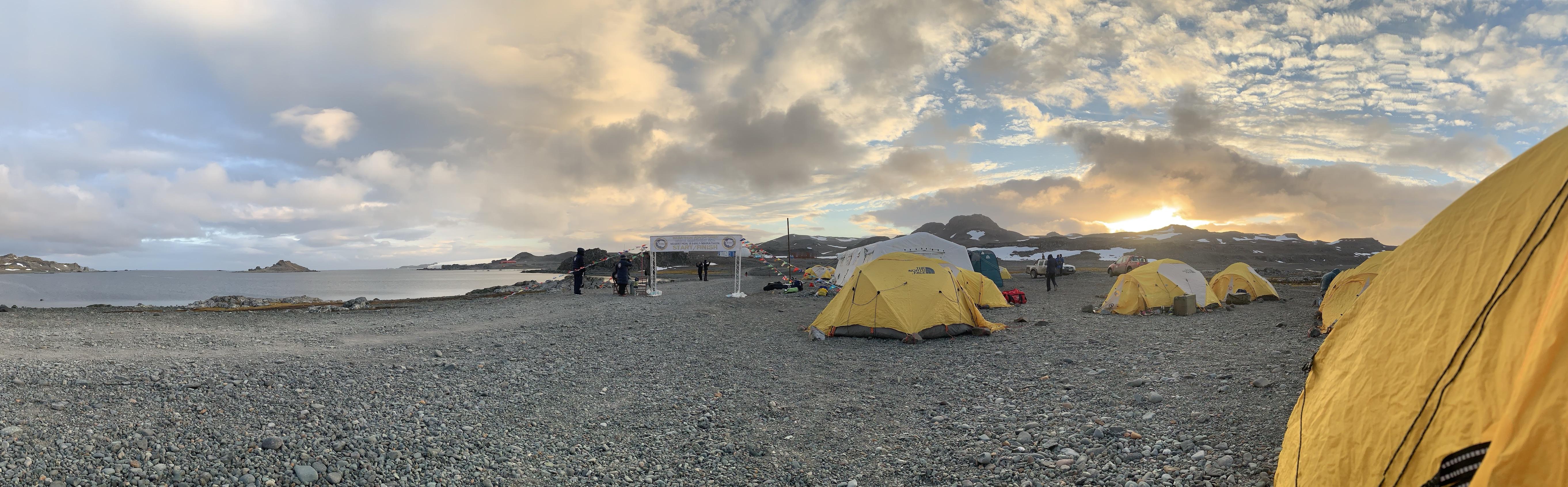 Antarctica marathon tents