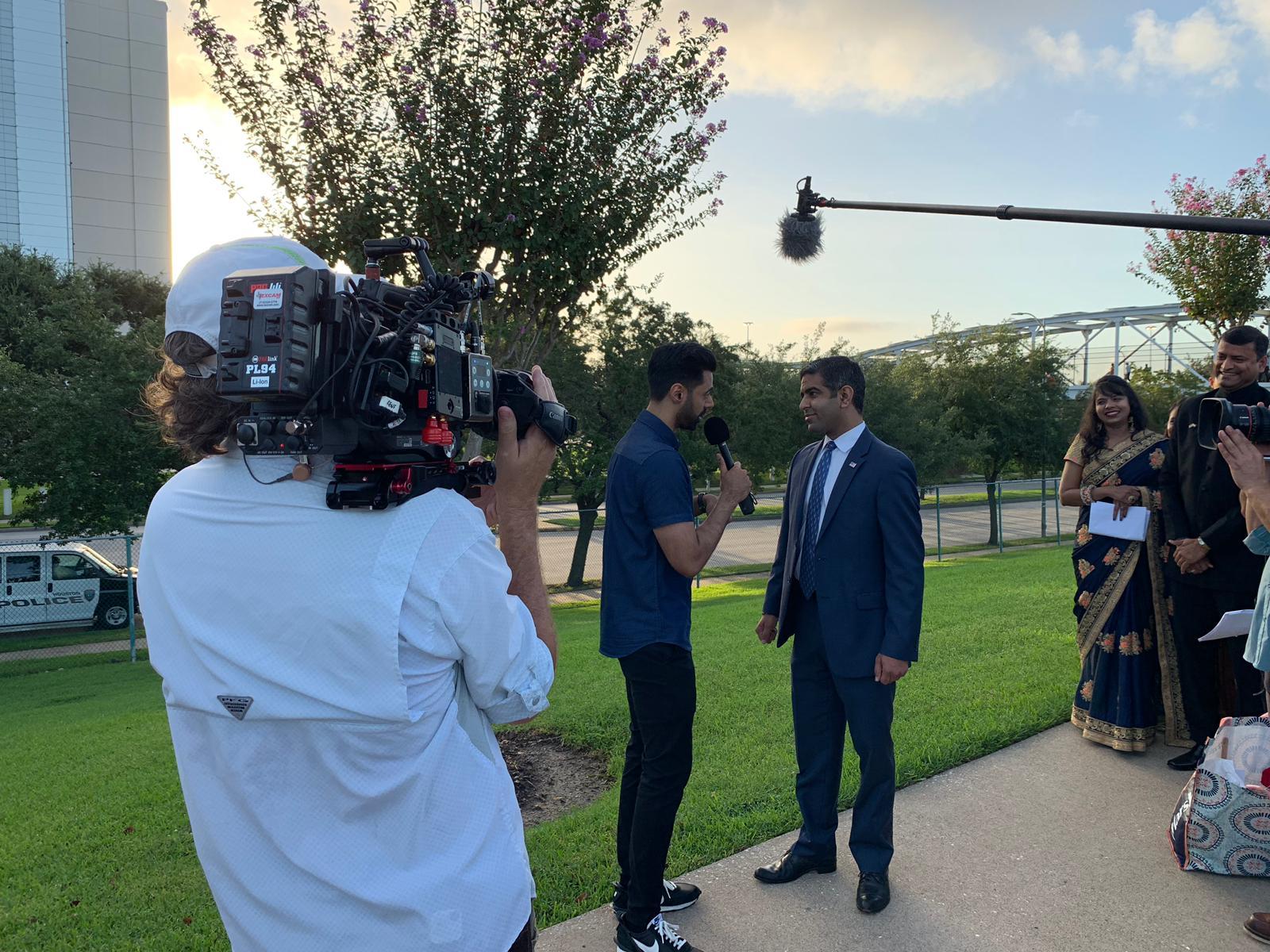 Netflix star Hasan Minhaj interviews Hirsh Singh