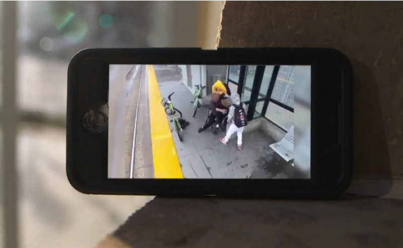 Cell Phone Video Recording of Mugging