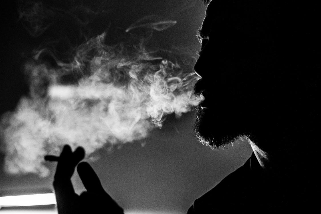 Smoking vs Vaping CBD