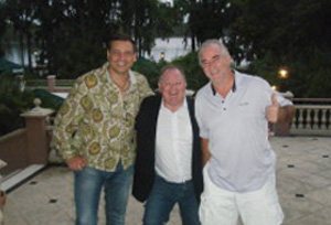 Rene Licata (left) & Richie Williams (centre) meeting with Liverpool FC  Legend, Craig Johnston