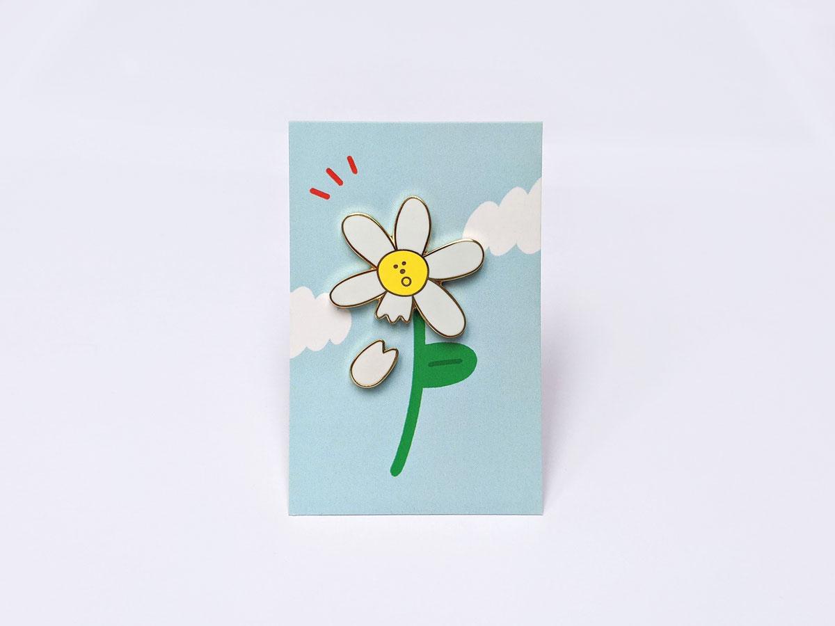 Love Me Daisy Pin Set