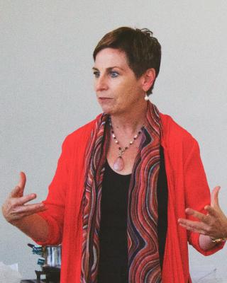 Robyn teaching a live class