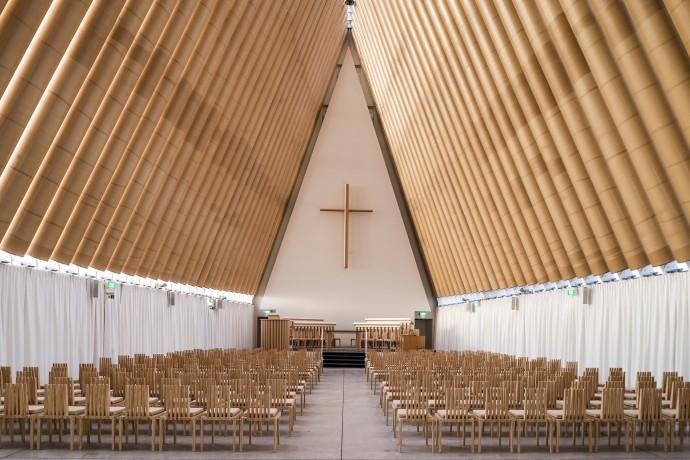 Wnętrze papierowej katedry w Christchurch w Nowej Zelandii (2013) © Stephen Goodenough