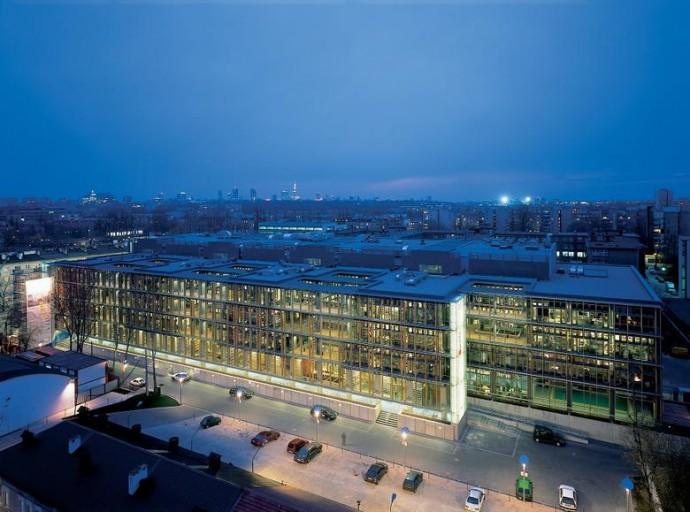 Obsypany nagrodami biurowiec dla koncernu medialnego © JEMS Architekci