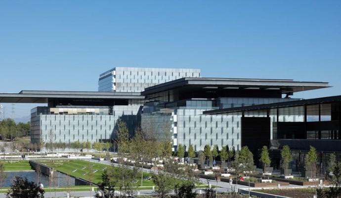 Kampus dla 14 tysięcy pracowników narodowego operatora Telefonica © Rafael de La Hoz Arquitectos