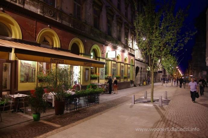 Wolniejszy ruch to większe obroty handlu i gastronomii © woonerf.dlaLodzi.info