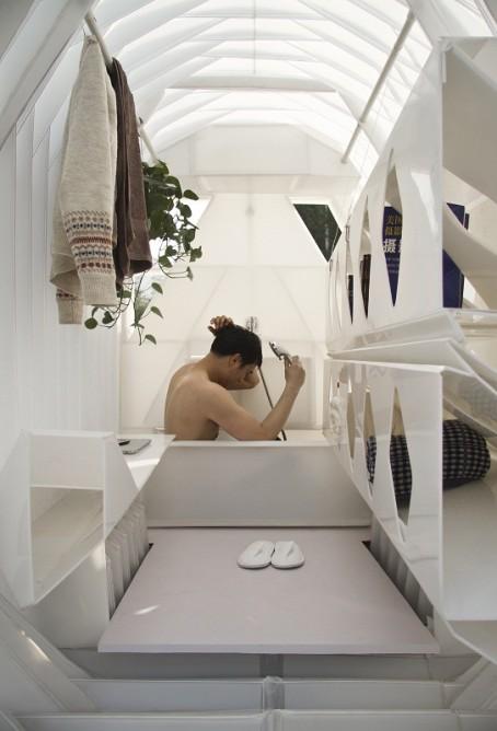 Kompaktowa kabina prysznicowa © People's Architecture Office