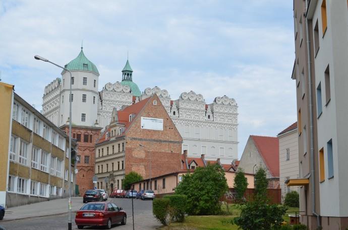 Renesansowy Zamek Książąt Pomorskich musiał kołatać się po głowach barcelońskich architektów