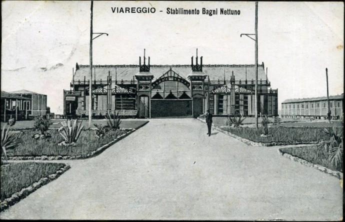 Zakład kąpielowy Neptun przy Viale Regina Margherita w 1904 roku © salutidaviareggio.blogspot.com
